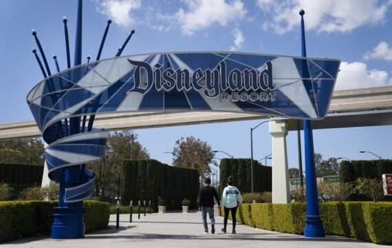 Disneyland declares an official resuming date