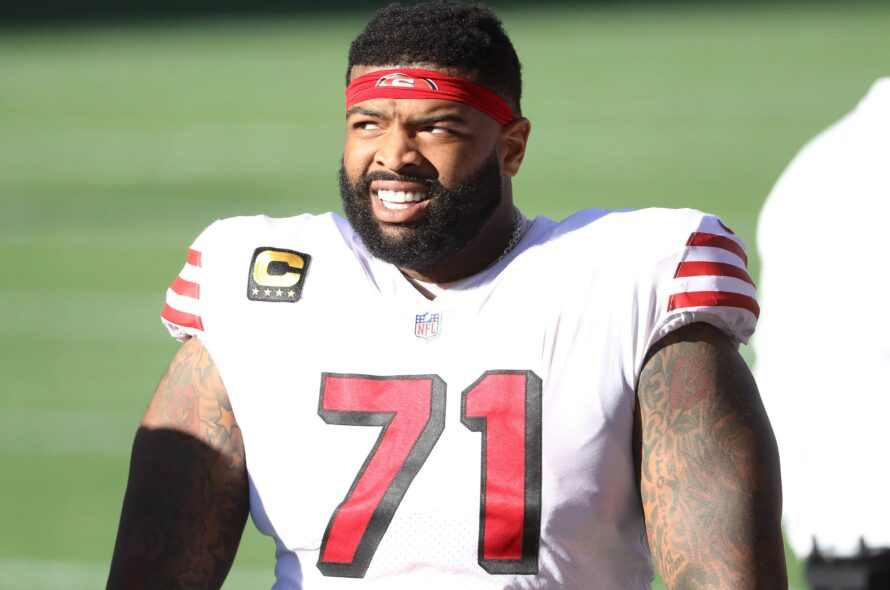 San Francisco 49ers re-sign Left tackle Trent Williams