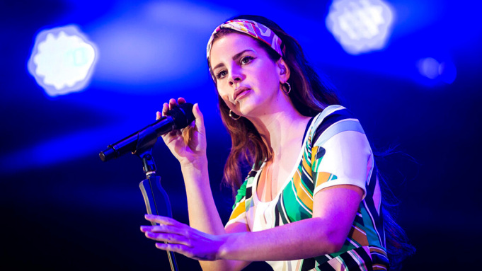 Lana Del Rey reports one more new album Blue Banisters out July 4