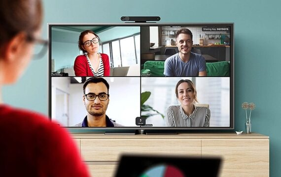 Facebook includes Zoom video calls to Portal for TVs